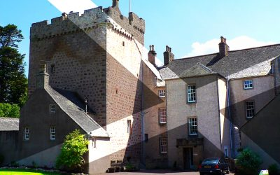 Lilias Dunbar and Thomas Ross – Kilravock Castle, Croy, Inverness – SFH040